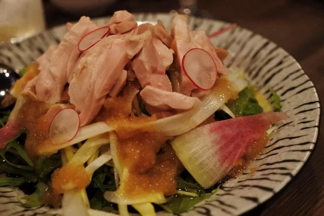 ホワイトアスパラと知床鶏のサラダ、梅ドレッシング