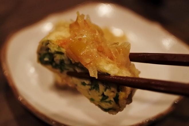 春のニラ玉天ぷら、香味塩ダレ