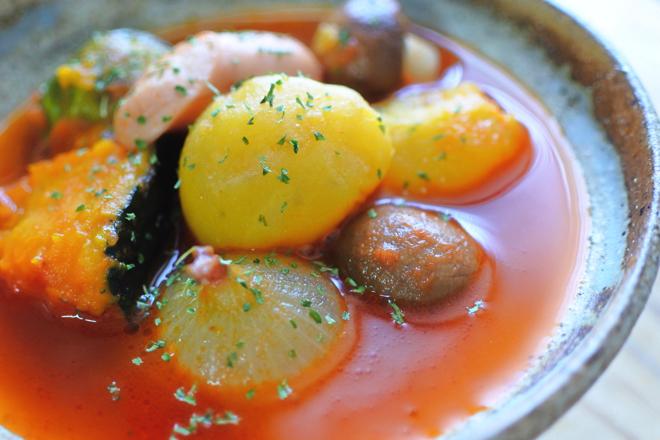 インカのめざめとペコロスのトマト煮